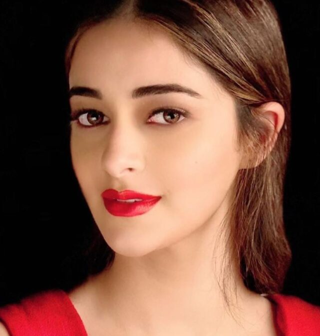 Ananya Panday Biography, Age, Career, Education, Boyfriend, Net Worth