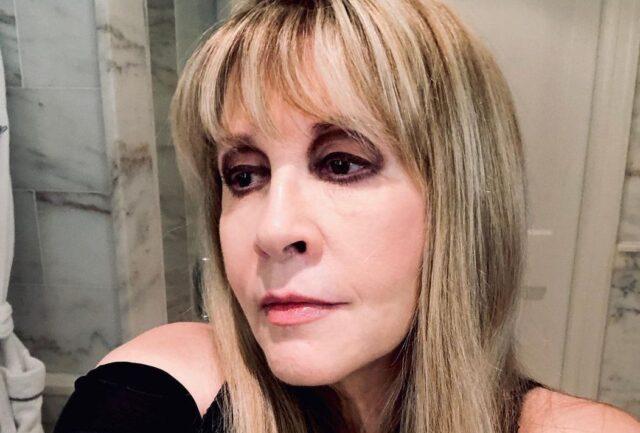 Stevie Nicks Biography, Age, Career, Husband, Family, Net Worth